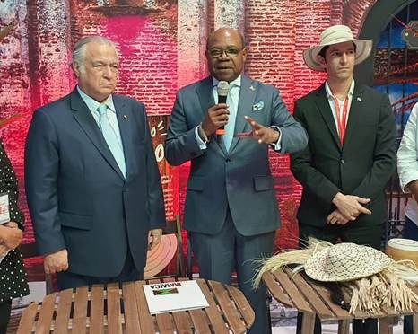 Panama--Jamaica-sign-Multidestination-agreement